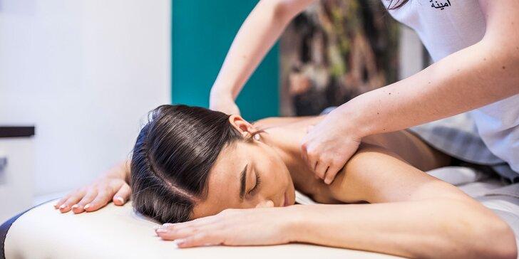 Relaxačná alebo športová masáž, alebo mäkké techniky v novootvorenom salóne Amina
