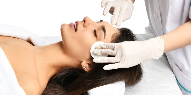 Hĺbkové čistenie pleti aj s masážou či komplet pre aknóznu pleť