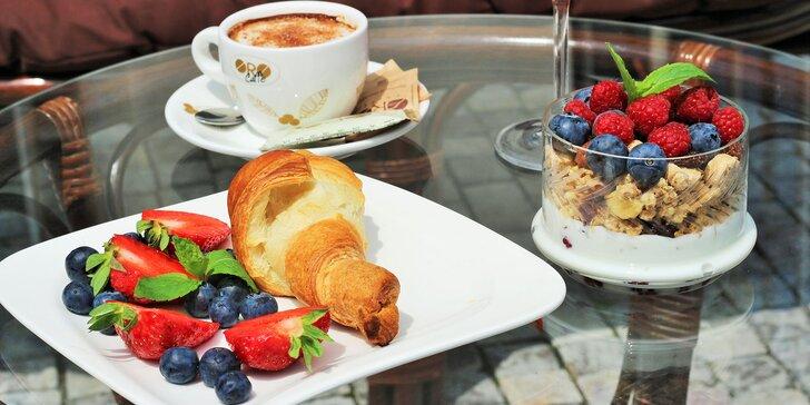 Aperol Spritz, croissant, káva, čaj či zdravé raňajky v Elite Cafe
