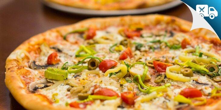 Pizza s domácou omáčkou a čerstvými surovinami - pri kúpe dvoch aj s rozvozom