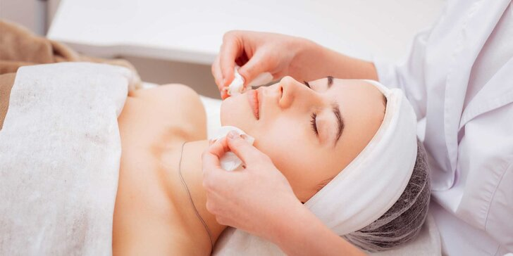Hĺbkové čistenie pleti alebo enzymatický peeling a ultrasonic prístrojová masáž