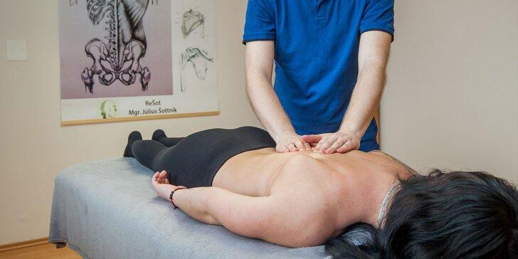 Klasická alebo terapeutická masáž vykonávaná fyzioterapeutom a termoterapia