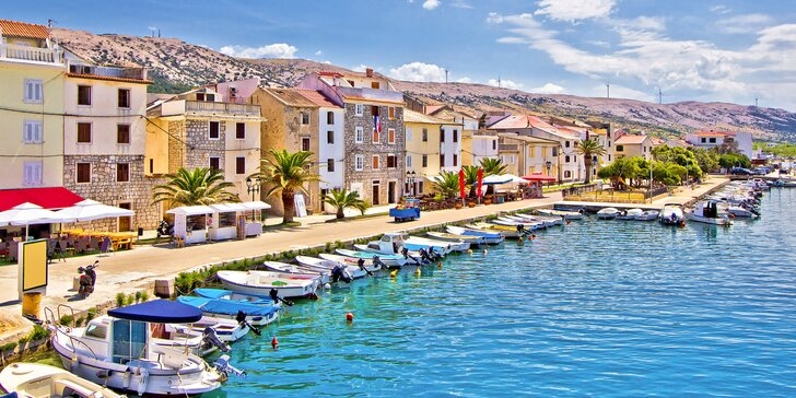 Na dovolenku do Chorvátska: hotel s polpenziou v centre Pagu, 150 m od pláže