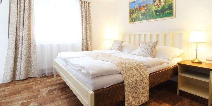 Romantika v Krumlove: elegantný apartmán v historickej budove pre dvoch