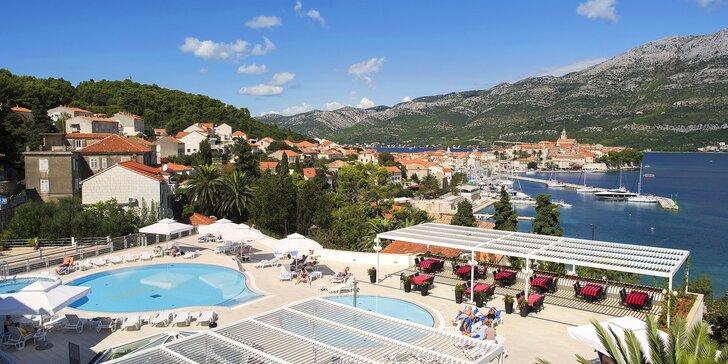 4* hotel na ostrove Korčula: neďaleko od pláže, polpenzia, vonkajšie aj vnútorné bazény