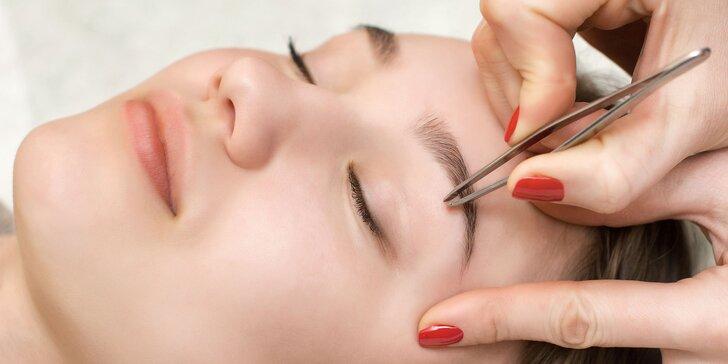 Úprava a farbenie obočia alebo profi líčenie v Andrea Beauty