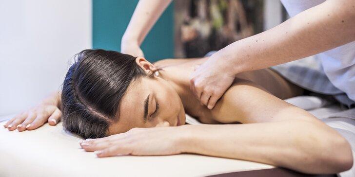 Relaxačná, športová masáž, mäkké techniky alebo masáž vo dvojici v salóne Amina