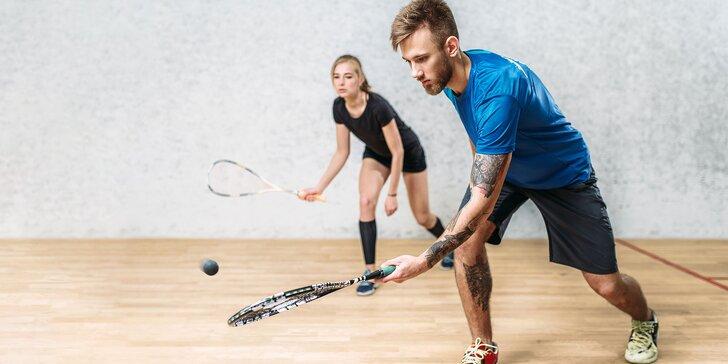 Squash na profesionálnych kurtoch – požičanie rakety a loptičky v cene