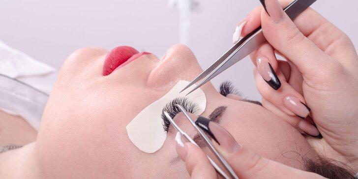 3D hodvábne mihalnice v salóne Eyebrows by Sandra