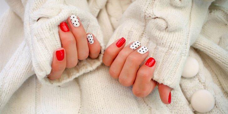Dokonale upravené nechty: manikúra s gél lakom