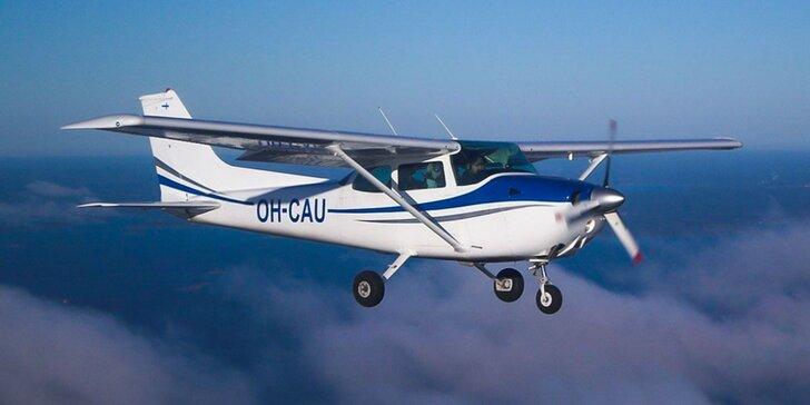 Zážitkový vyhliadkový let s možnosťou pilotovania - 3 lietadlá na výber!