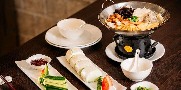 Bohaté 3-chodové degustačné menu pre 2 alebo 4 osoby v čínskej reštaurácii Peking