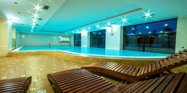 Obľúbený pobyt v ALTIS Rezort**** pri Oravskej priehrade s neobmedzeným bazénom a wellness, s korčuľovaním na ľade a mnohými športami