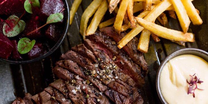 250 g Hovädzí Denver steak s pečenou cviklou a hranolčekmi