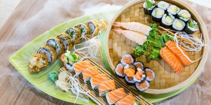 Niekoľko druhov fantastických sushi setov v reštaurácii Taumi