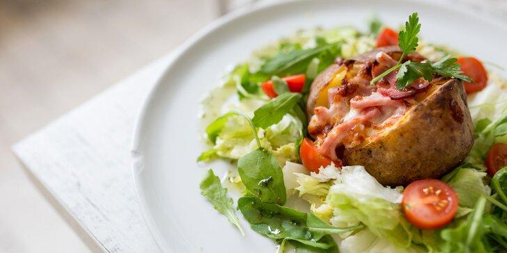 Bohato plnený zemiak pečený v peci