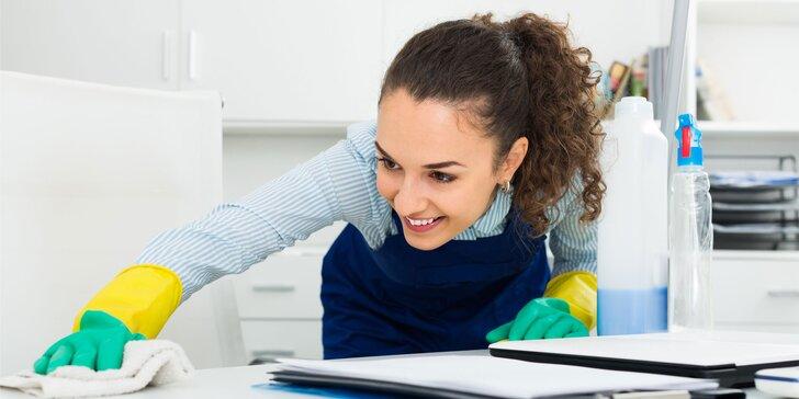 Upratovanie bytu alebo domu, umývanie okien alebo tepovanie