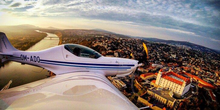 Zážitkový let s možnosťou pilotovania lietadla a foto/video dokumentáciou!