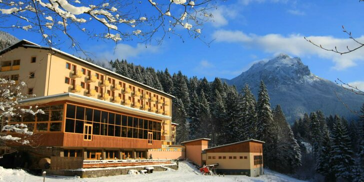 Zimné SKI pobyty s celodennými skipasmi do lyžiarskeho strediska Vrátna Malá Fatra