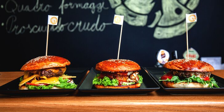 Nadupané burgery podľa domácej receptúry s hranolčekmi a omáčkou + 0,5l piva zdarma!