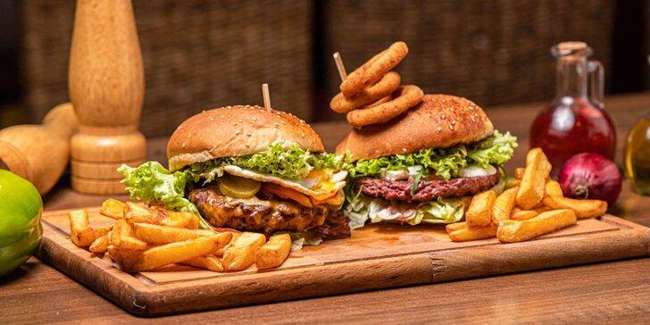 Dva druhy výborných burgerov s belgickými hranolčekmi
