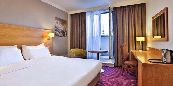 Za krásami Prahy - pobyt v luxusnom hoteli v centre s raňajkami, večerou a fľašou vína