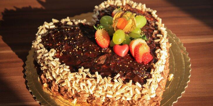Lahodná torta z cukrárne Fajnotka až ku vám domov!