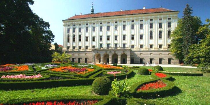 Kroměříž - prehliadka zámku, záhrad a výstava kvetov Floria