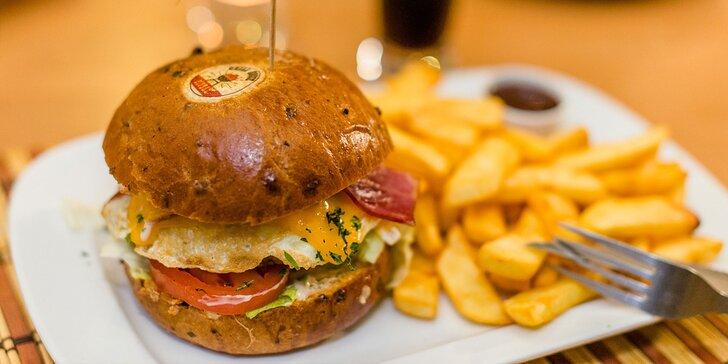 Výborný burger podľa vlastného výberu + steakové hranolčeky a nápoj