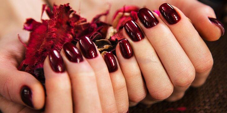 Získajte krásne gélové alebo akrylové nechty v novom štúdiu 888 nails