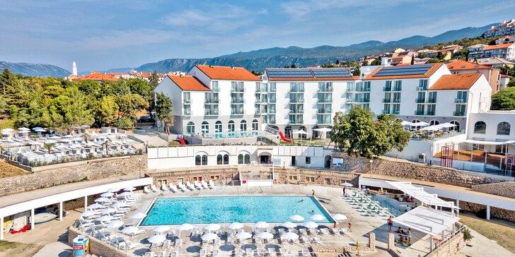 Skvelý pobyt na Istrii pre dvoch aj pre rodinu: hotel pri mori, polpenzia, neobmedzený wellness a herňa
