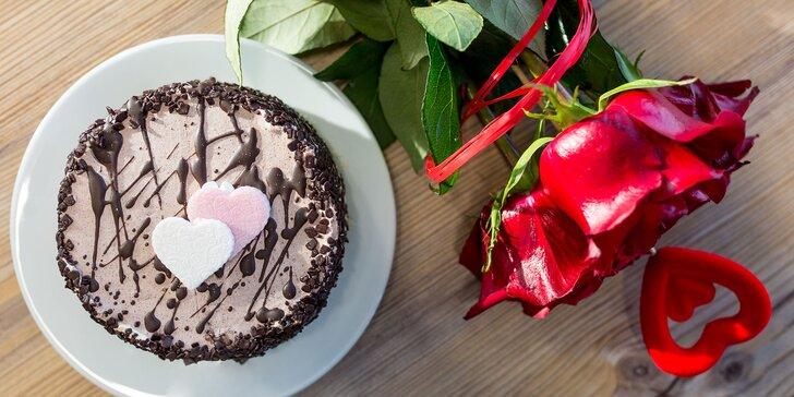 Sladučká torta a voňavé ruže v unikátnom Flor Plus