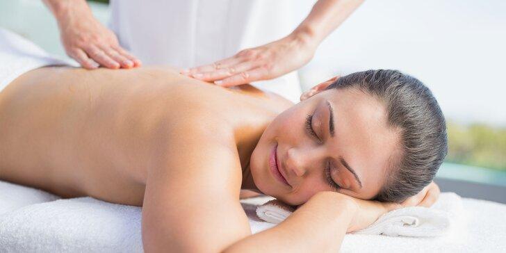 Masáž podľa výberu a celodenný vstup do wellness centra hotela Holiday Inn
