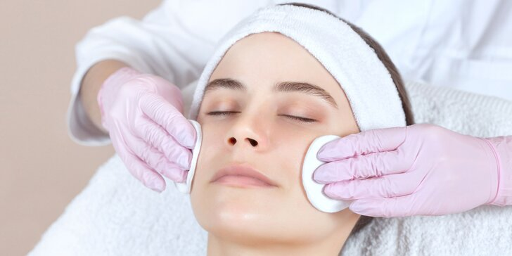 Komplexné hĺbkové ošetrenie pre zmiešanú, aknóznu či suchú pleť