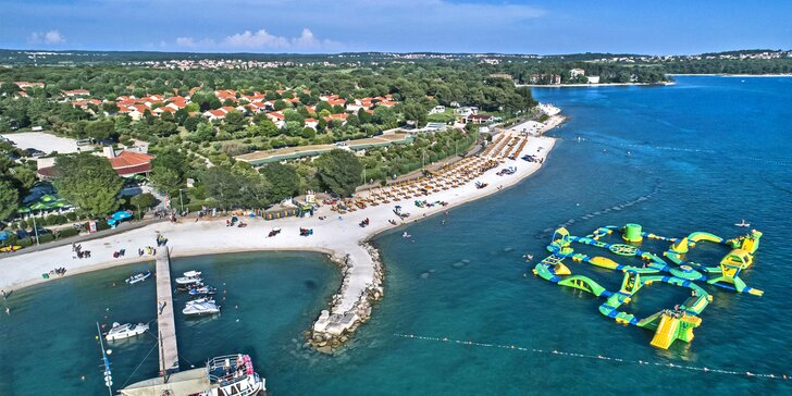 S rodinou do Chorvátska: vybavený mobilheim pre 6 osôb, pláž, bazény a množstvo atrakcií