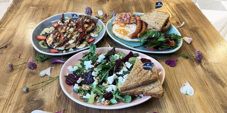 Bohaté romantické raňajky pre dvoch v Shortie