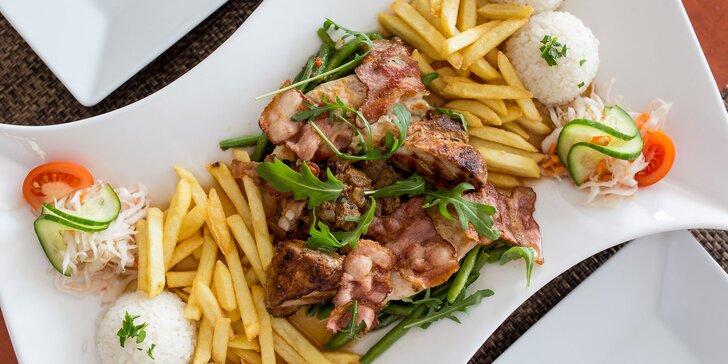 Fantastické mäsové hody v reštaurácii u Katky - karé, rezeň, prsia či misa plná mäsa