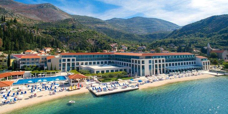 Luxusná dovolenka v 5* rezorte v zátoke priamo na pláži: polpenzia, balkón, bazény