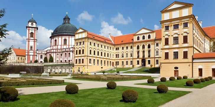 Moravské Versailles, pivovar a slávnosti špargle a vína