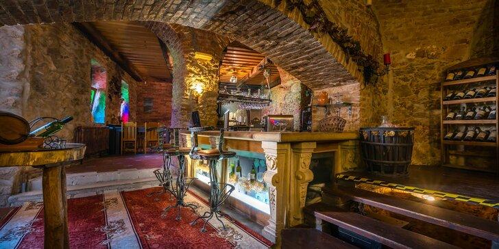 Romantický pobyt v kaštieli s vínom vlastnej produkcie a skvelým jedlom