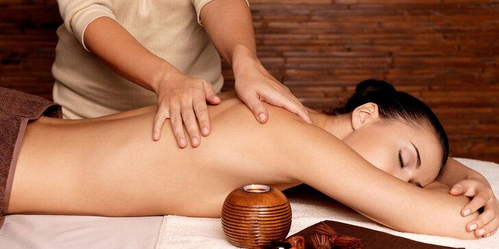 Uvoľňujúca aromaterapeutická masáž chrbta, šije a ramien