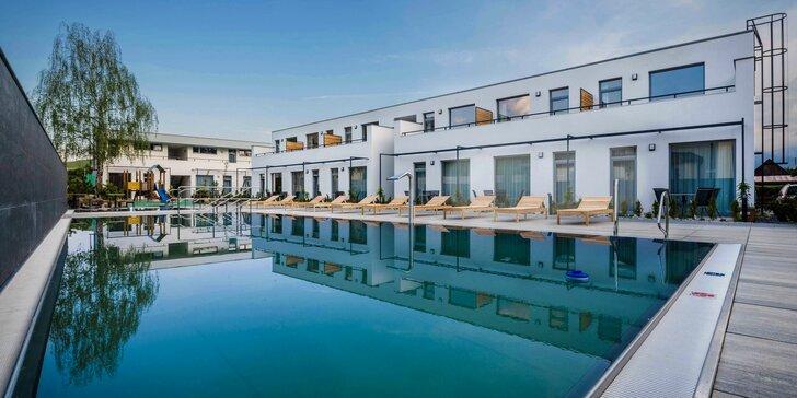 Pobyt v Liptovskom Jáne s bazénom aj polpenziou v moderných apartmánoch Moravica***