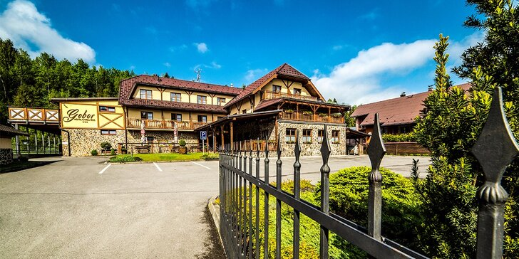 Hotel Gobor*** v Západných Tatrách v krásnom prírodnom prostredí pri 2 aquaparkoch. Deti do 12 rokov zvýhodnené!