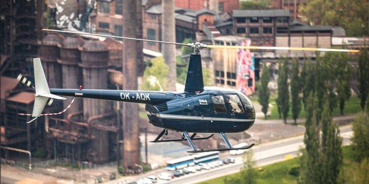 Darujte nebeský zážitok: vyhliadkový let vrtuľníkom Robinson R44