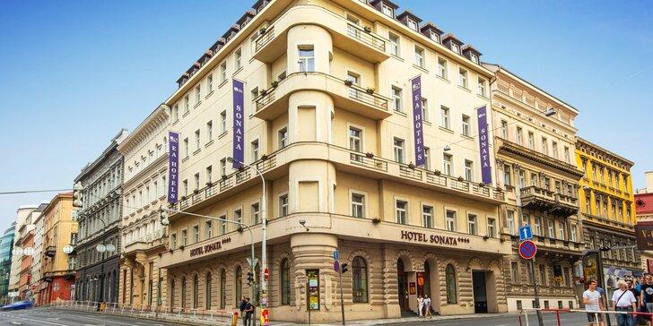 Pobyt v luxusnom 4* hoteli pri Václavskom námestí: raňajky, grilované špeciality i privátne wellness