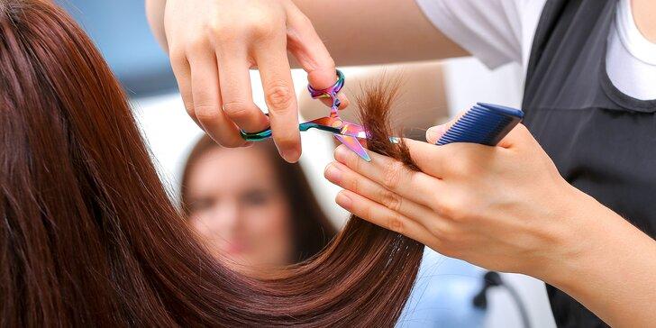 Hĺbková regenerácia či ozónová kúra s možnosťou farbenia a strihania vlasov