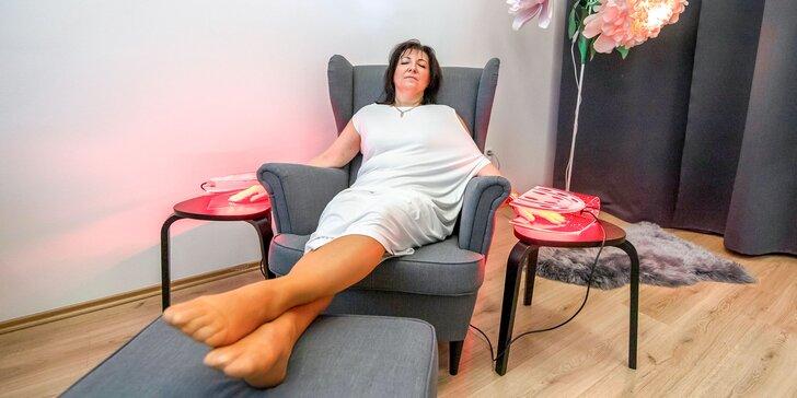 LED svetelná terapia: liečba akné a omladenie pre ruky, tvár aj krk
