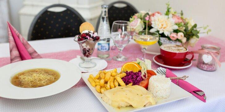 Slávnostné menu s prípitkom pre 1 osobu v reštaurácii Halmi dvor