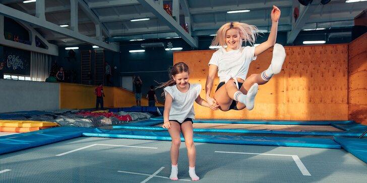 Vstupy na 60 alebo 120 minút počas víkendu do trampolínového centra JUMP IT UP