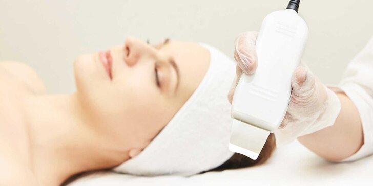 Hĺbkové čistenie pleti skin scrubberom aj s masážou tváre a dekoltu